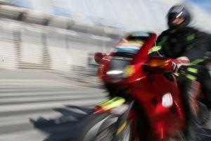 1099135_motorcycle_-_blur_focus-300x200