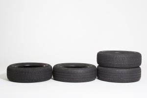 1372268_tires.jpg