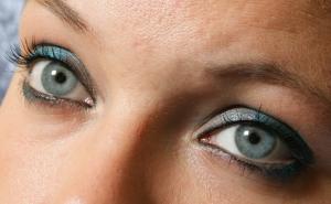 1373700_blue_eyes.jpg