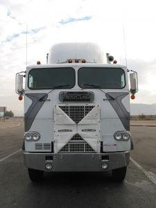 62565_white_semi-truck1-225x300