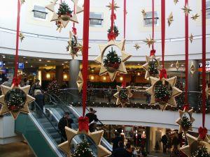 699243_mall_in_budapest_2.jpg