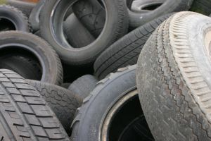 759846_old_and_worn_out_tires.jpg