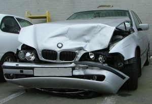 825017_crash_car
