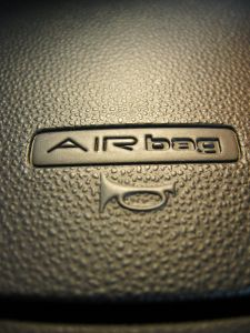 850338_airbag.jpg