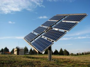 990288_solar_panel_in_the_field_4.jpg