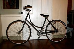 old-1950s-bike-1429602-m.jpg