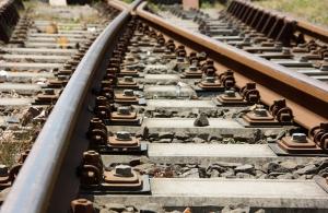 railway-tracks-1428076-m.jpg