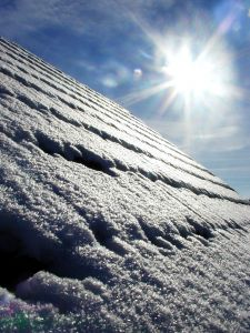snow-on-roof-56261-m.jpg